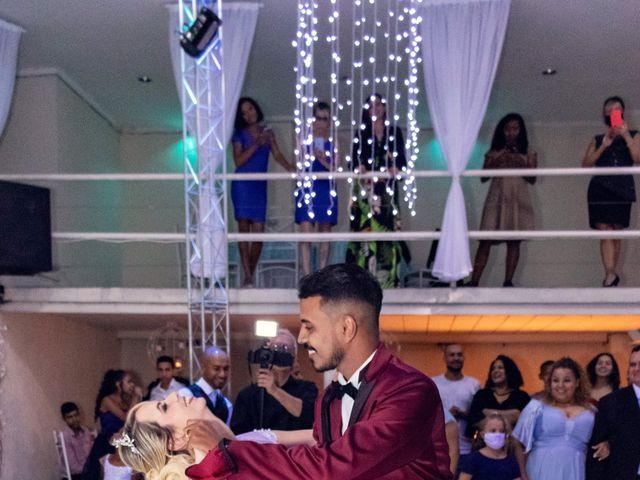 O casamento de Marcus e Karina em Osasco, São Paulo 40