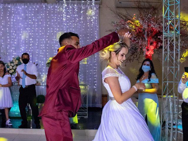 O casamento de Marcus e Karina em Osasco, São Paulo 42