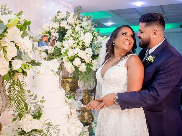 O casamento de Fábio e Carine em Belo Horizonte, Minas Gerais 24