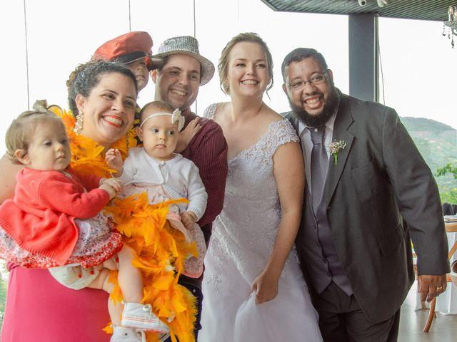 O casamento de Lourenço e Ellen em Florianópolis, Santa Catarina 32