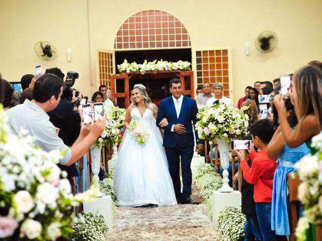 O casamento de Marcos e Tatiana em Aragoiânia, Goiás 15