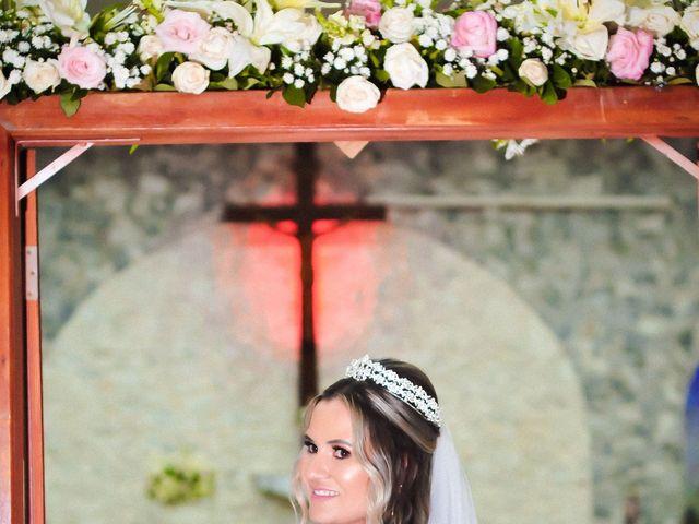 O casamento de Marcos e Tatiana em Aragoiânia, Goiás 32