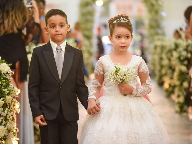 O casamento de João e Daniele em Bom Jardim, Pernambuco 13