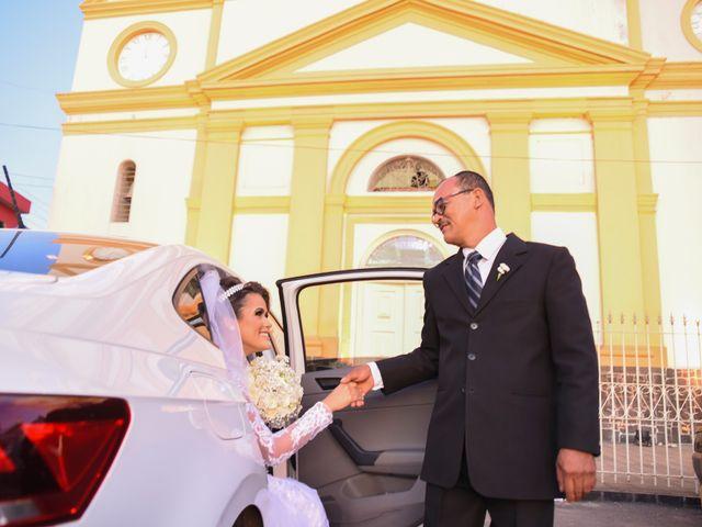 O casamento de João e Daniele em Bom Jardim, Pernambuco 16