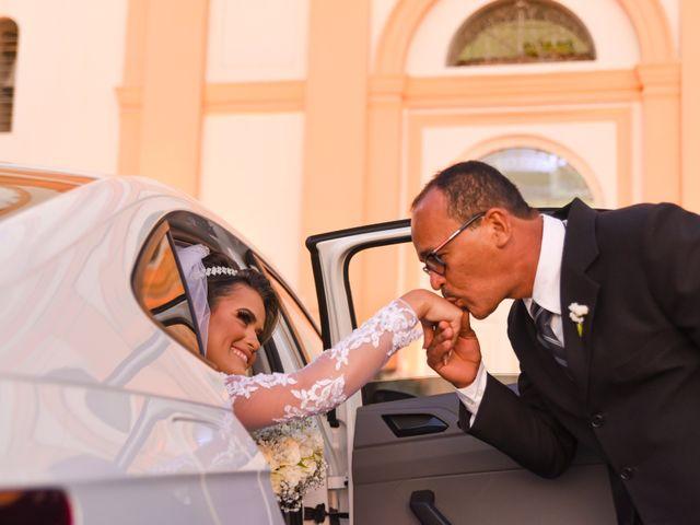 O casamento de João e Daniele em Bom Jardim, Pernambuco 17