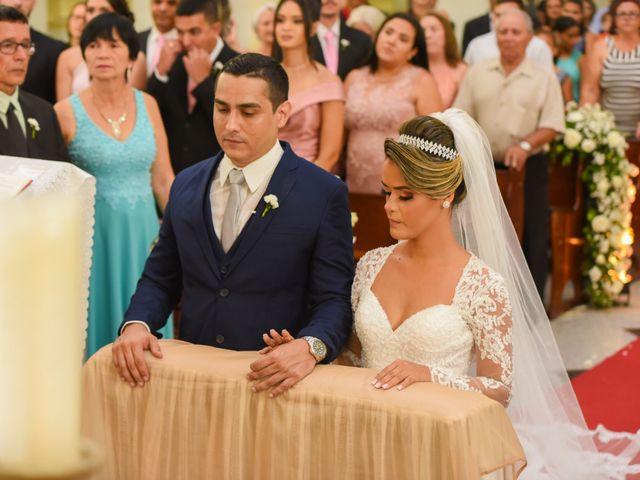 O casamento de João e Daniele em Bom Jardim, Pernambuco 26