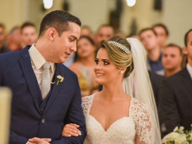 O casamento de João e Daniele em Bom Jardim, Pernambuco 30
