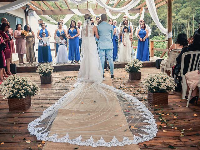 O casamento de Ester e Júlio