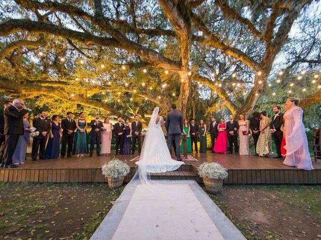 O casamento de Felipe e Deborah em Porto Alegre, Rio Grande do Sul 38