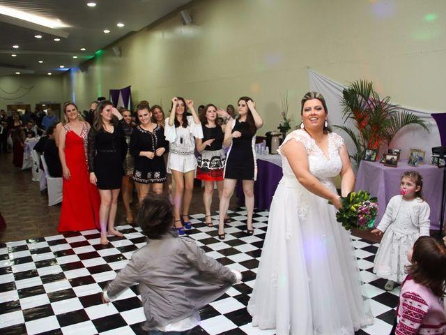 O casamento de Jeferson e Juliana em Caxias do Sul, Rio Grande do Sul 32
