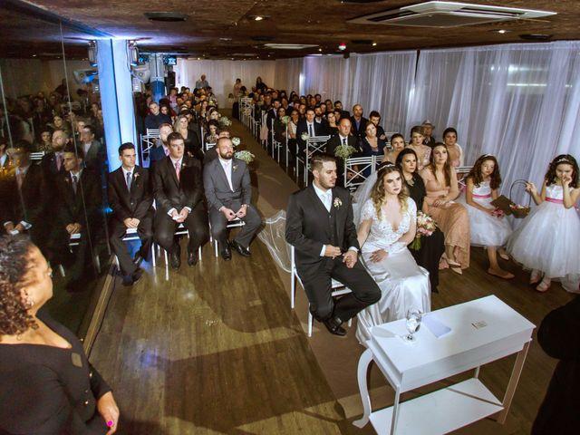 O casamento de Vitor e Amanda em Itapema, Santa Catarina 15