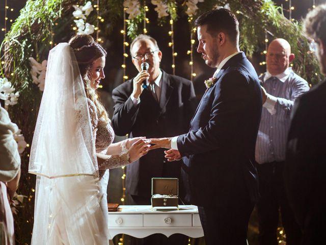O casamento de Vitor e Amanda em Itapema, Santa Catarina 17