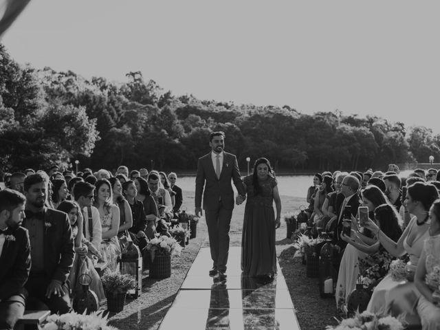O casamento de Tiago e Joyce em Curitiba, Paraná 33