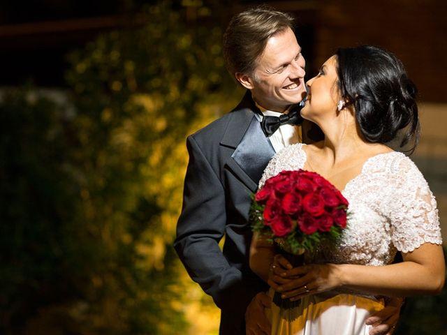 O casamento de Marcelo e Karine em Porto Alegre, Rio Grande do Sul 8