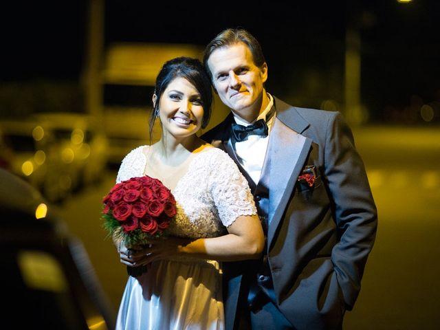O casamento de Marcelo e Karine em Porto Alegre, Rio Grande do Sul 13