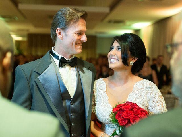 O casamento de Marcelo e Karine em Porto Alegre, Rio Grande do Sul 2
