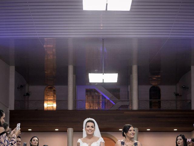 O casamento de Louredan e Gabriella em Timóteo, Minas Gerais 10