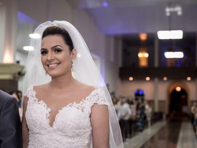 O casamento de Louredan e Gabriella em Timóteo, Minas Gerais 15