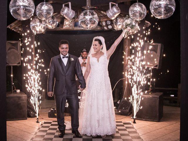 O casamento de Louredan e Gabriella em Timóteo, Minas Gerais 24
