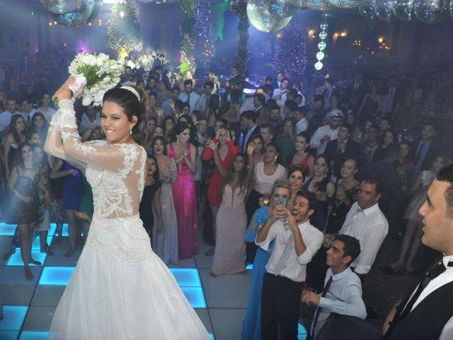O casamento de Gustavo e Fernanda em Montes Claros, Minas Gerais 1