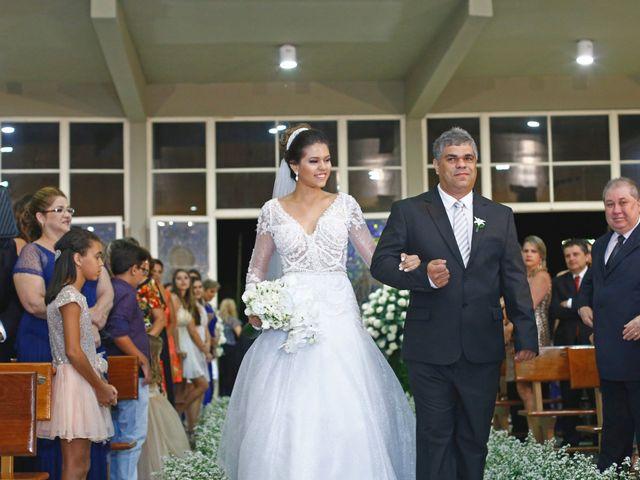 O casamento de Gustavo e Fernanda em Montes Claros, Minas Gerais 9