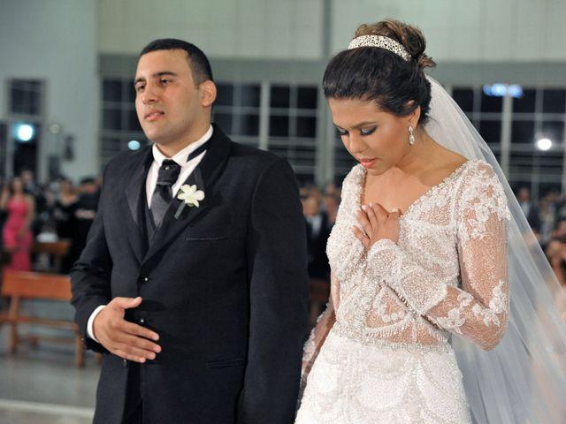 O casamento de Gustavo e Fernanda em Montes Claros, Minas Gerais 11