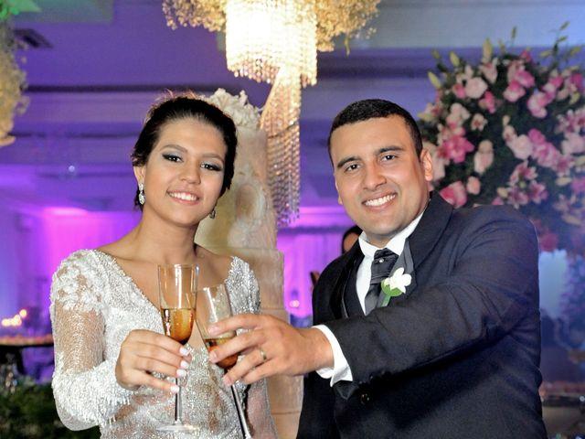 O casamento de Gustavo e Fernanda em Montes Claros, Minas Gerais 23