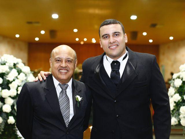 O casamento de Gustavo e Fernanda em Montes Claros, Minas Gerais 26