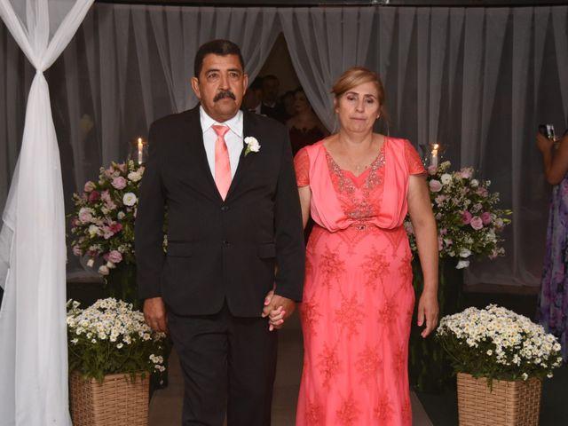 O casamento de Everton e Adriana em Alfenas, Minas Gerais 40