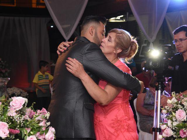 O casamento de Everton e Adriana em Alfenas, Minas Gerais 42