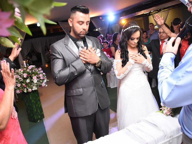 O casamento de Everton e Adriana em Alfenas, Minas Gerais 61
