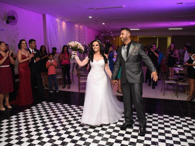 O casamento de Everton e Adriana em Alfenas, Minas Gerais 99