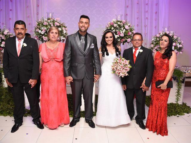 O casamento de Everton e Adriana em Alfenas, Minas Gerais 101
