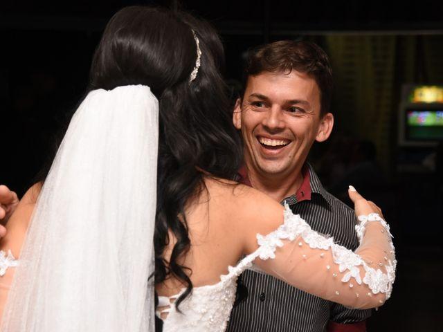 O casamento de Everton e Adriana em Alfenas, Minas Gerais 130