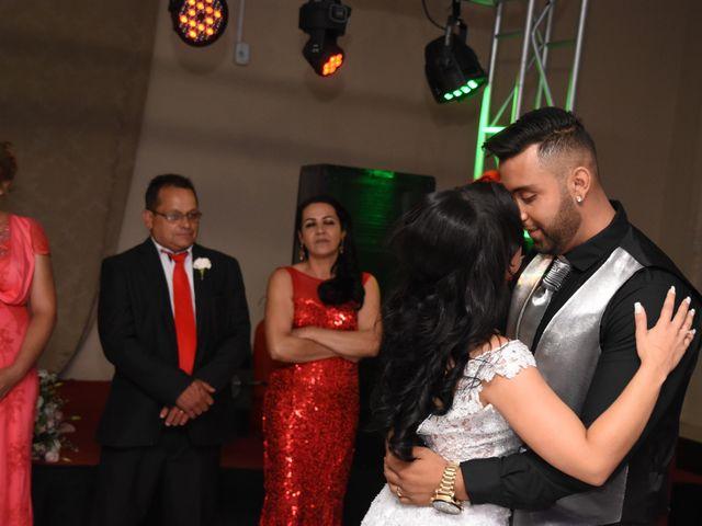 O casamento de Everton e Adriana em Alfenas, Minas Gerais 135