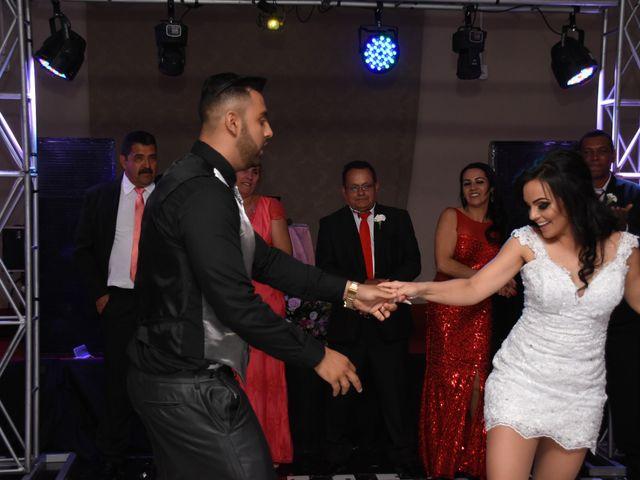 O casamento de Everton e Adriana em Alfenas, Minas Gerais 137