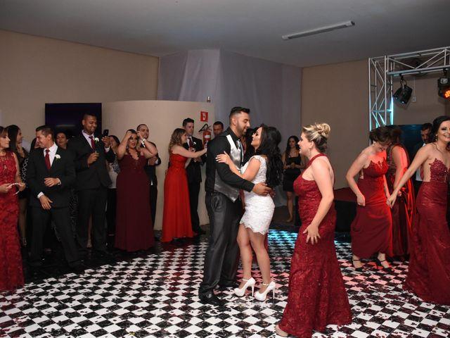 O casamento de Everton e Adriana em Alfenas, Minas Gerais 141