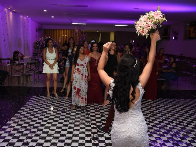 O casamento de Everton e Adriana em Alfenas, Minas Gerais 142
