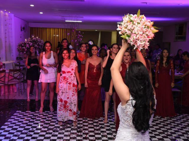 O casamento de Everton e Adriana em Alfenas, Minas Gerais 143