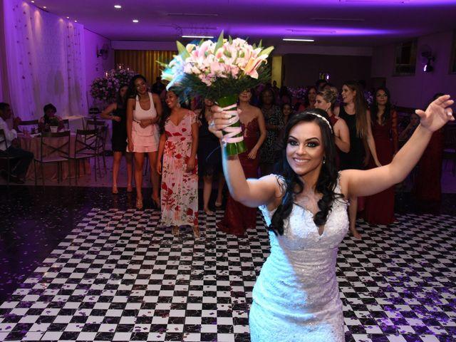 O casamento de Everton e Adriana em Alfenas, Minas Gerais 144