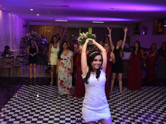 O casamento de Everton e Adriana em Alfenas, Minas Gerais 145