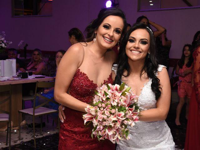 O casamento de Everton e Adriana em Alfenas, Minas Gerais 147