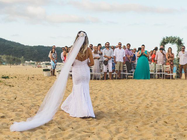 O casamento de Raphael e Ionara em Itapema, Santa Catarina 14