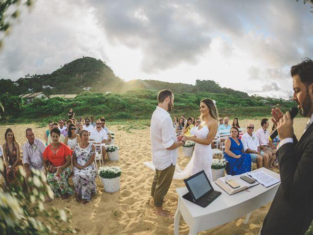 O casamento de Raphael e Ionara em Itapema, Santa Catarina 28