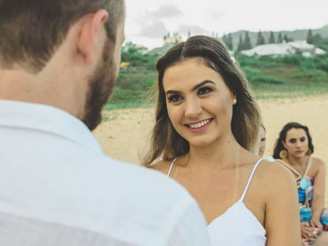 O casamento de Raphael e Ionara em Itapema, Santa Catarina 31