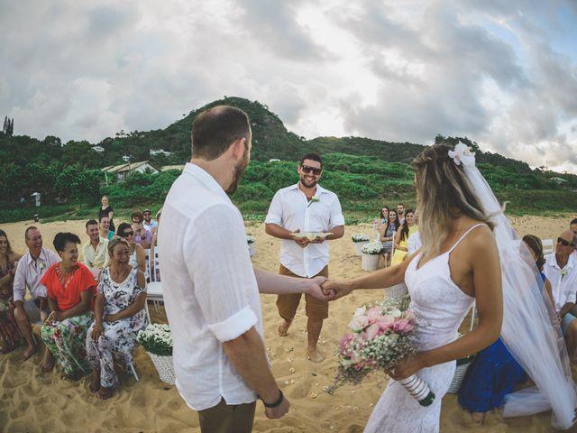 O casamento de Raphael e Ionara em Itapema, Santa Catarina 34