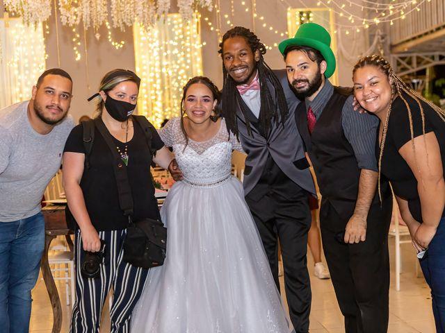 O casamento de Gabriel e Kenia em Cotia, São Paulo 32