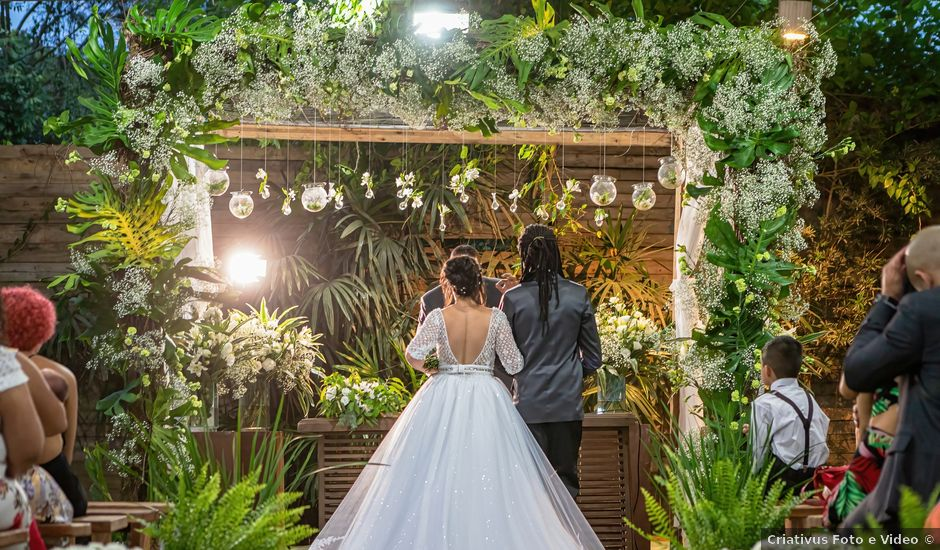 O casamento de Gabriel e Kenia em Cotia, São Paulo