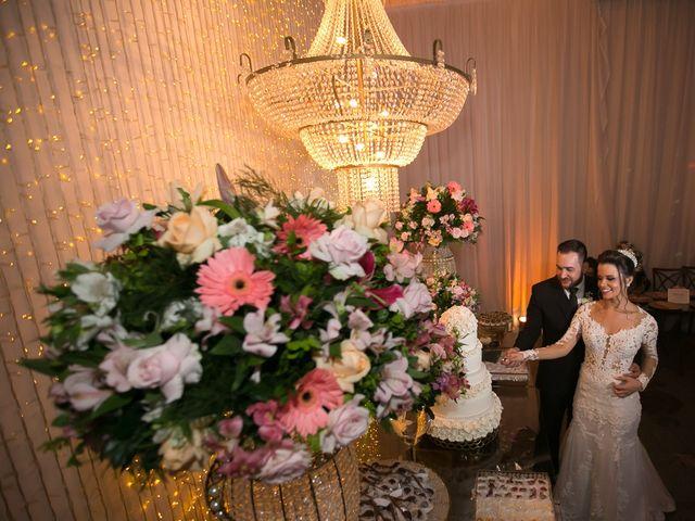 O casamento de Bruno e Thiara em Belo Horizonte, Minas Gerais 104