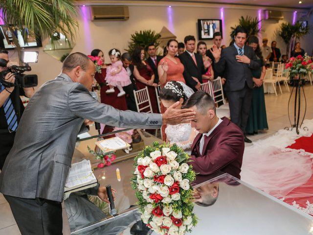 O casamento de Tiago e Mirian em Curitiba, Paraná 12